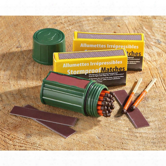 Stormproof Match Case With 50 Extra Waterproof Fire Starter Matches