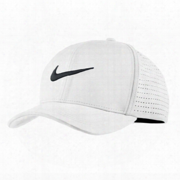 Nike Classic 99 Fitted Golf Hat