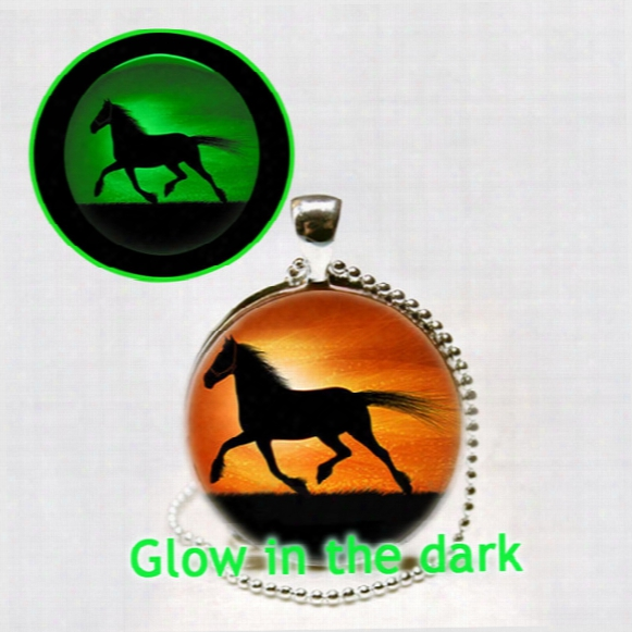 Running Horse Necklace Horse Glowing Pendant Glass Animal Photo Jewelry Glowing Necklace Pendant