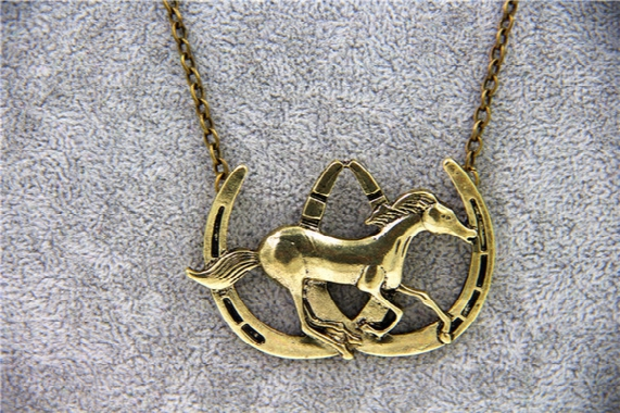 Wholesale-fashion Jewelry Vintage Charm Horse Necklace For Men And Women