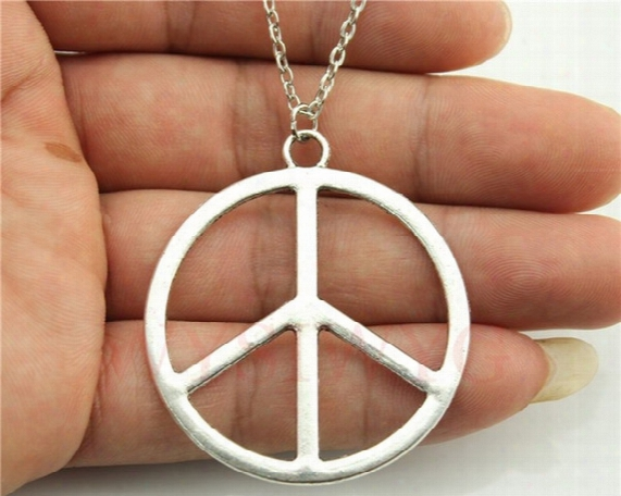 Wholesale-wysiwyg Silver Tone 42mm Peace Sign Pendant Necklace