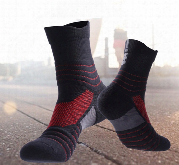 New 7 Color Free Shipping Professional Football Basketball Socks Men Climbing Camping Elite Socks Fashion Outdoor Bike Sports Socks