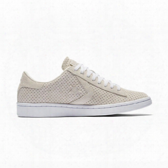 Pro Leather Perforated Low - Womens
