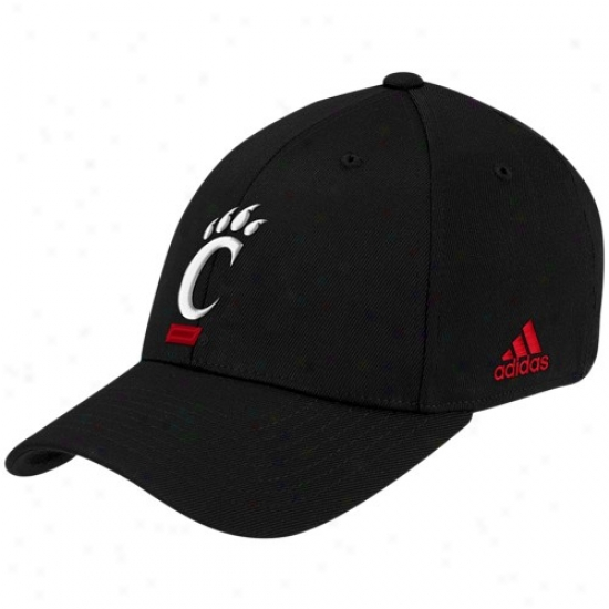 Cincy Bearcats Appointments: Adidas Cincy Bearcats Black Basic Logo Fifted Hat