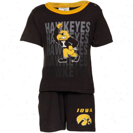 Iowa Hawkeyes Infant Black Aim Zone T-shirt & Shorts Set