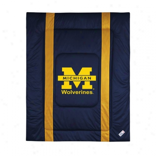 Michigan Wolverines Twin Size Sideiine Comforter