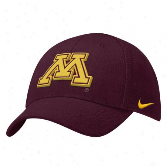 Minnesota Golden Gophers Gear: Nike Minnesota Golden Gophers Youth Maroon Basic Logo Adjustable Hat