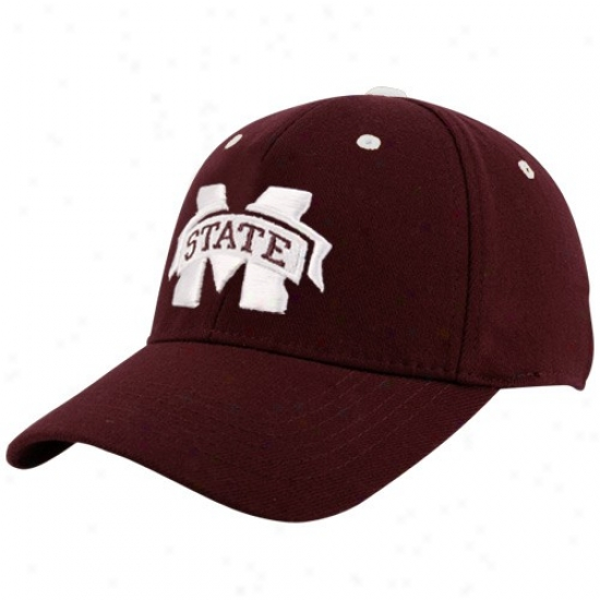 Mississippi State Bulldogs Gear: Top Of The World Mississippi Condition Bulldogs Youth Maroon Basic Logo 1fit Hat