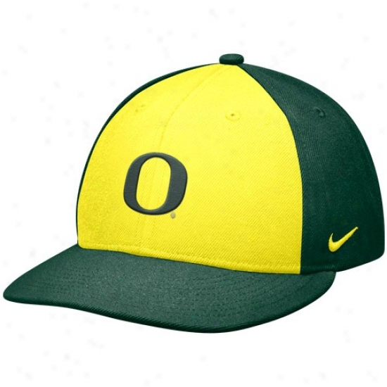 University Of Oreogn Cap : Nike University Of Oregon Yellow-green Baseball Authentic 643 Fitted Cap