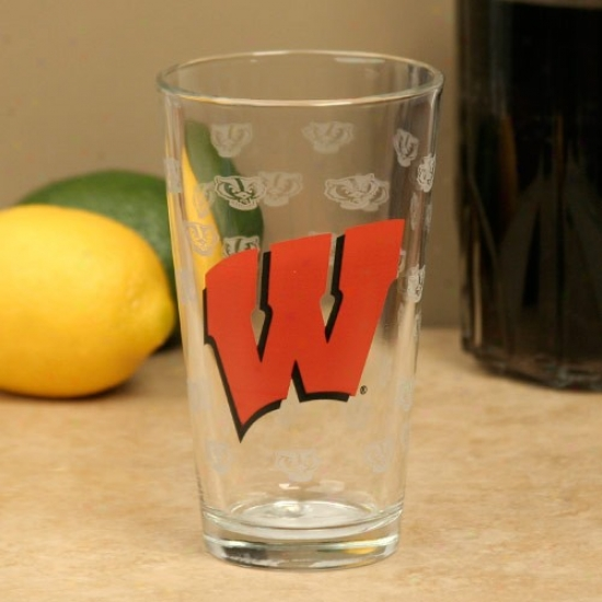Wisconsin Badgers 16oz. Satin Etch Pint Glass