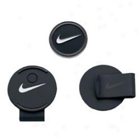 Nikke Swoosh Hat Clip & Ball Marker