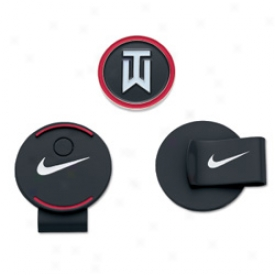 Nike Tiger Woods Hat Clip & Ball Marker