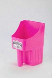 Enclosed Feed Scoop - Pink - 3 Two pints