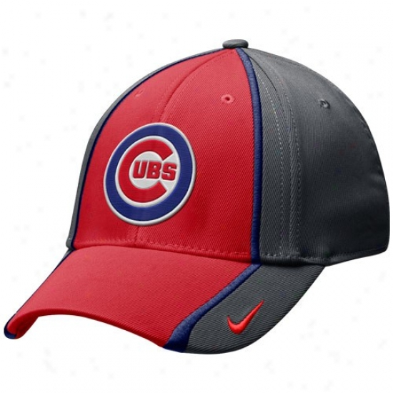Chicago Cybs Gear: Nike Chicago Cubs Charcoal-red 2-tone Tactile Swoosb Flex Hat
