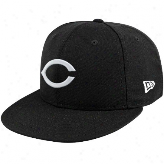 Cincinnati Reds Gear: New Era Cincinnati Reds Black League Basic Fitted Hat