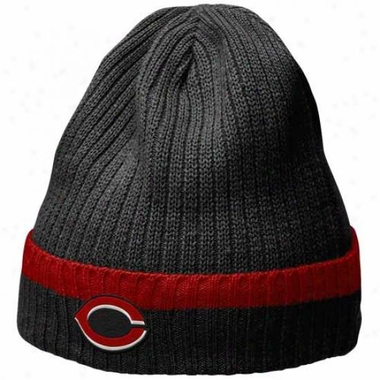 Cincinnati Reds Hats : Nike Cincinnati Reds Black Dugout Beanie