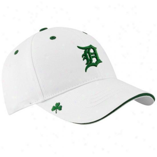 Detroit Tigers Gear: New Era Detroit Tigers White Hooley St. Patrick's Day Adjustable Hat