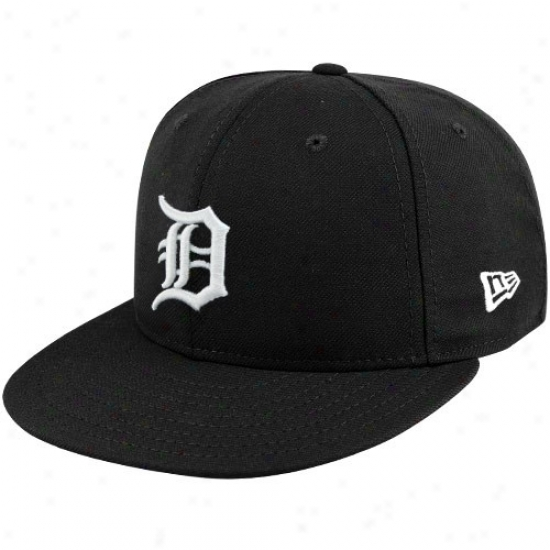 Detroit Tigers Hat : New Era Detroit Tigers Black League Basic Fitted Hat