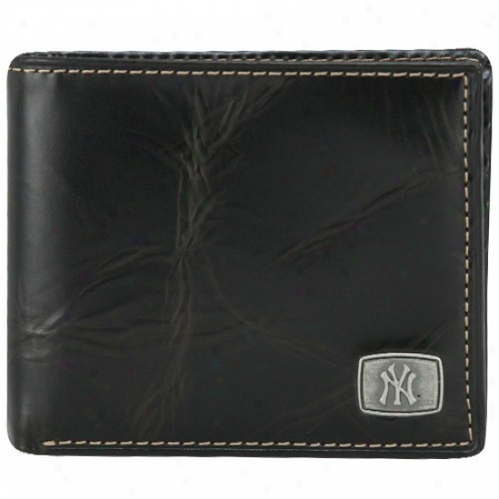 Fossil New York Yankees Brown Leqther Traveler Billfold Wallet