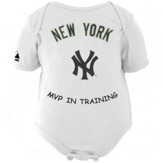 Maiestic New York Yankees Infant White Mvp In Training Creeper