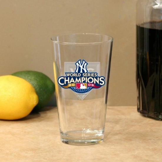 New York Yankees 2009 World Series Championa 17oz. Mixing Glass