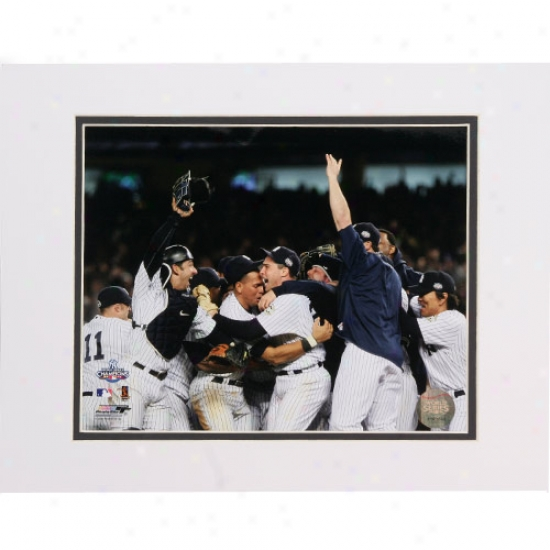 """new York Yankees 2009 World Series Champions Game 6 Celebration #4 11"""" X 14"""" Matted Photo"""
