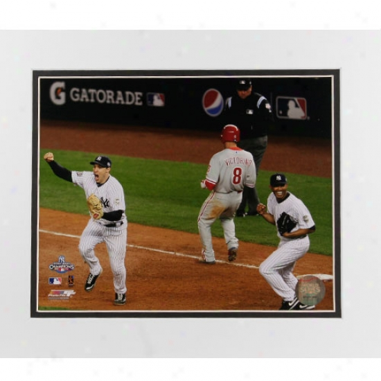 """new York Yankees 2009 World Series Champions Gaem 6 Teixeira & Rivera Celebration 11"""" X 14"""" Matted Photo"""
