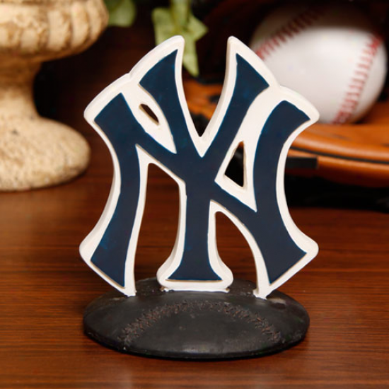 New York Yankees 3d Logo Statue