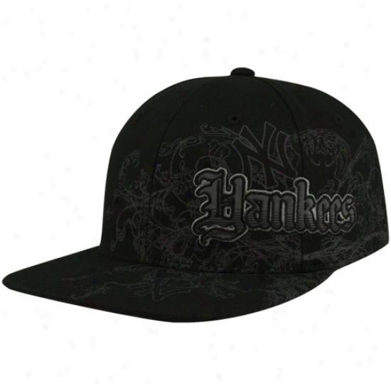 New York Yanoees Cap : Twins '47 New York Yankees Black Deposition Closer Flexfit Cap
