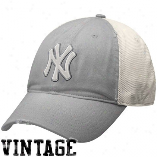 New York Yankees Caps : Nike New York Yankees Gray-natural Fadrd Relaxed Ensnare Back Adjustable Caps