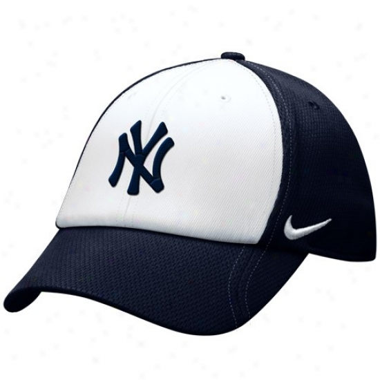 New York Yankees Gear: Nike New York Yankees White-navy Blue Jersey Hook Adjustable Hat