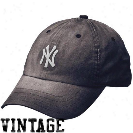New York Yankees Hats : Nike New York Yankees Ladise Navg Blue Boyfriend Adjustable Hats