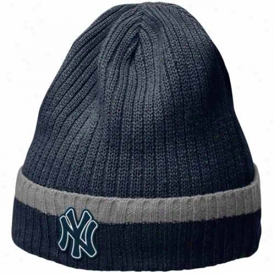 New York Yankees Hats : Nike New York Yankees Navy Blue Dugout Beanie