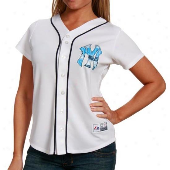 New York Yankees Jersey : Majestic New York Yankees Ladies White Persistence Fashion Baseball Jersey