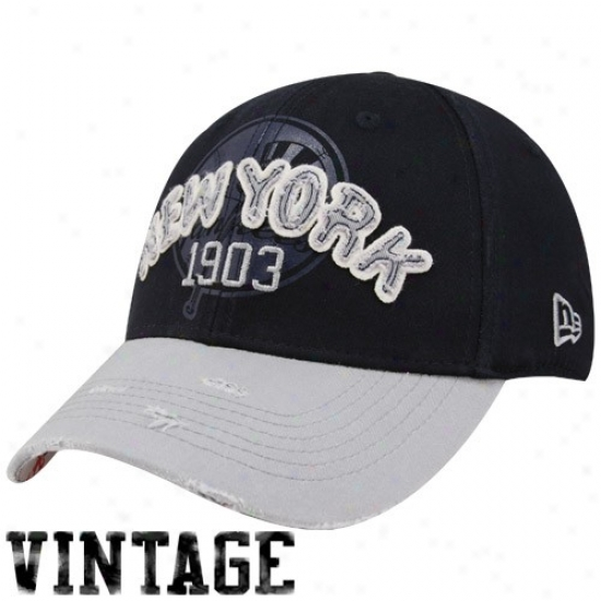 New York Yankees Merchandise: New Era Unaccustomed York Yankees Navy Blue Holla 39thirty Stretch Fit Vintage Hat