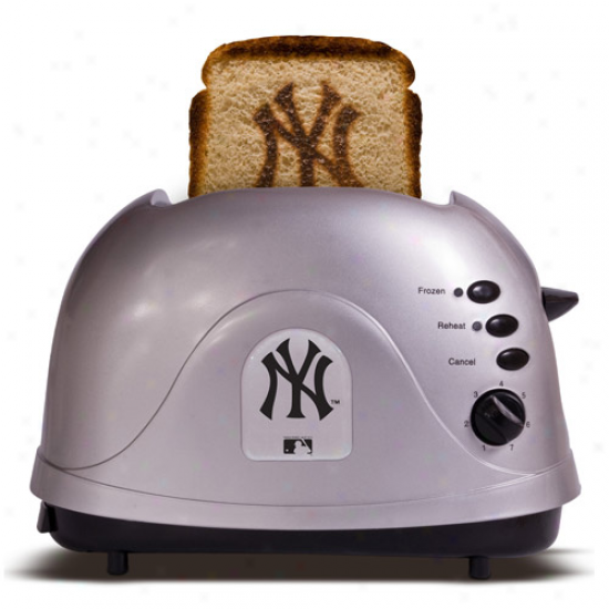 New York Yankees Silver Team Logo Pro Toater