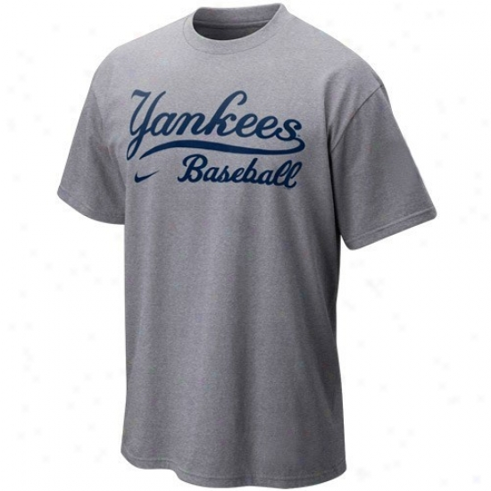 New York Yankees Tee : Nike New York Yankees Yout hAsh Mlb 2010 Practice Tee