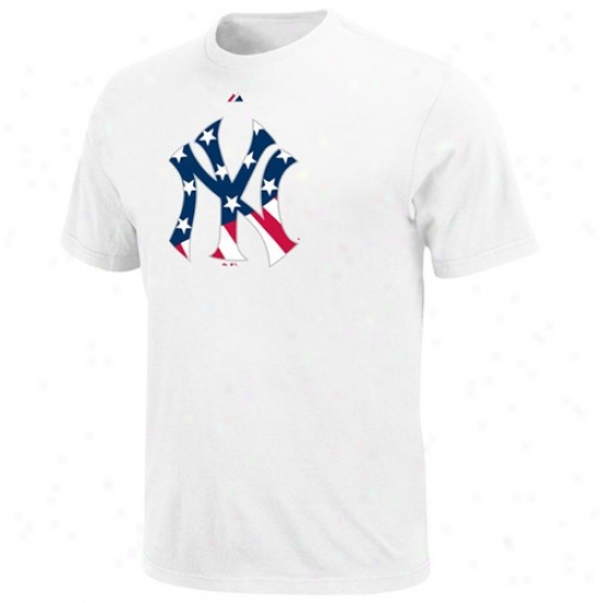 New York Yankees Tshirt : Majestic New York Yankees Youth White Stars & Stripes Logo Tshirt