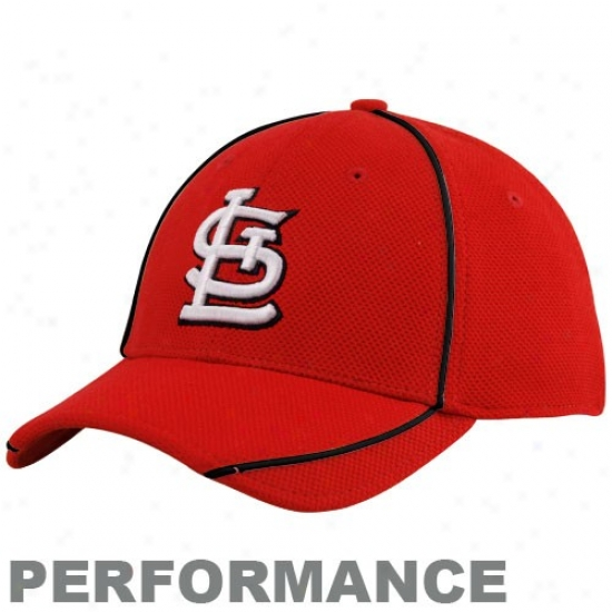 St. Louis Cardinals Merchandise: New Era St. Louis Cardinals Youth Red 2010 Official Batting Prctice Flex Fit Performance Hat