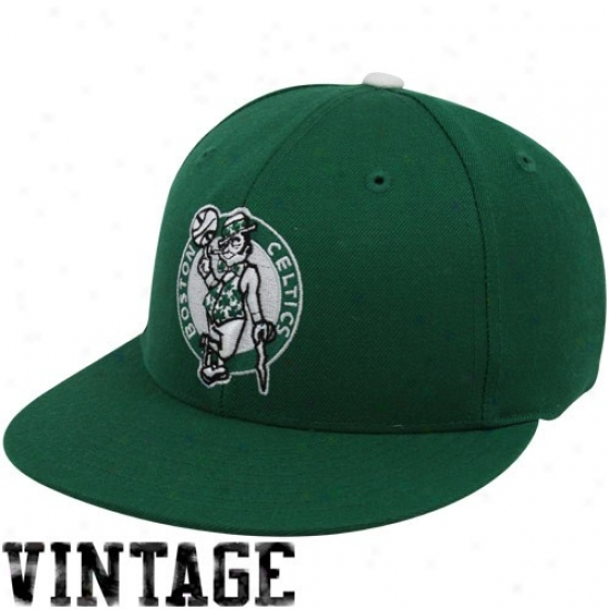 Boston Celtic Gear: Mithchell & Ness Boston Celtic Kelly Green Vintage Logo Fittwd Hat