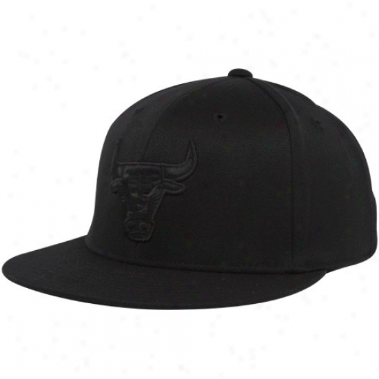 Bulls Hat : Adidas Bulls Black Tonal 210 Fitted Flex Hat