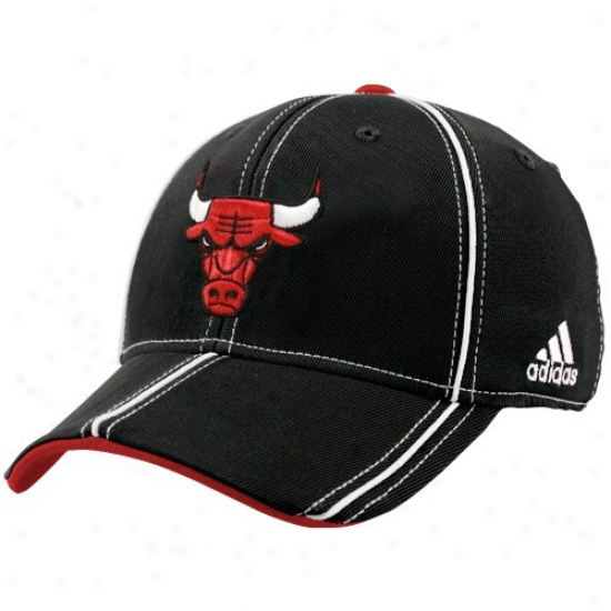 Chicago Bull Merchandise: Adidas Chicagoo Bull Black Structured Trimmed Flex Fit Hat