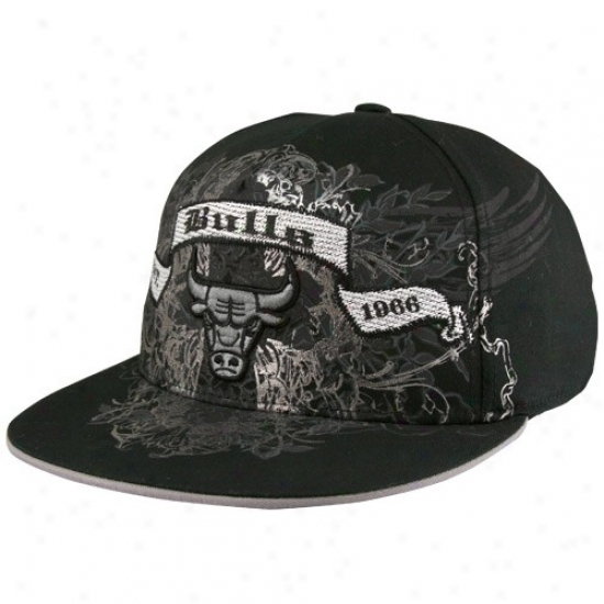 Chicago Bulls Hats : Adidas Chicago Bulls Black Flat Visor Banner Flex Fit Hatz