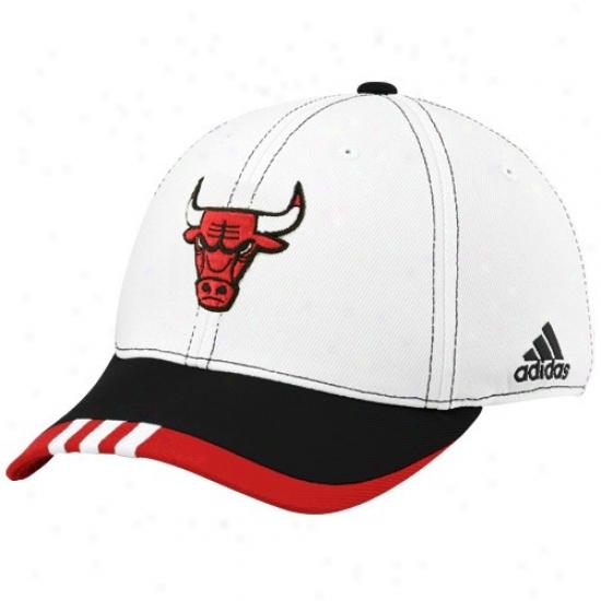Chicago BullsM erchandise: Adidas Chicago Bulls White On Court Flex Fit Hat