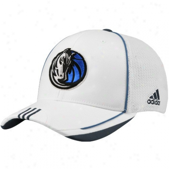 Dallas Mav Hat : Adidas Dallas Mav White 2010 Official On-court Ensnare Back Flex Fit Hat