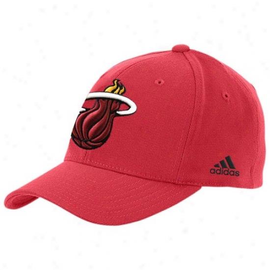 Heat Hatt : Adidas Heat Red Basic Logo Flex Fit Hat