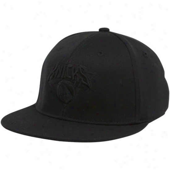 Knicks Hat : Adidas Knicks Black Tonal 210 Fitted Flex Hat