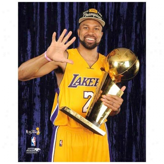 """""""los Angeles Lakers 2010 Nba Champions #2 Derek Fisher Holding Trophy 11"""""""" X 14"""""""" Matted Photo"""""""