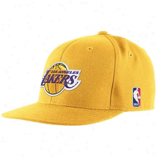 Loq Angeles Lakers Hats : Adidas Los Angeles Lakers Gold Basic Logo Fitted Hats
