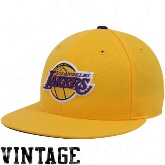 Los Angeles Lakers Merchandise: Mithchell & Ness Los Angeles Lakers Gold Vintage Logo Fitted Hat